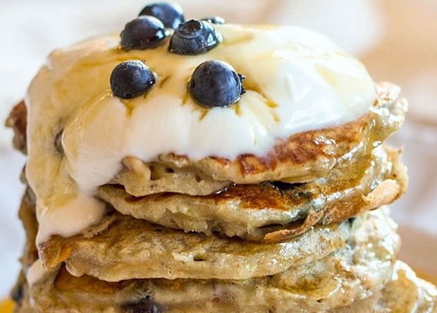 blueberry-and-pear-pancakes-with-yogurt