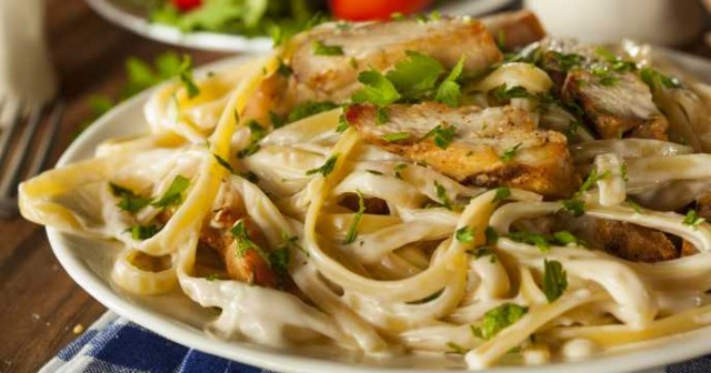 chicken-pasta-with-cheese-sauce